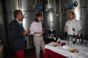 Visita y Cata de el Consejero de Economía y Hacienda en nuestras instalaciones 6